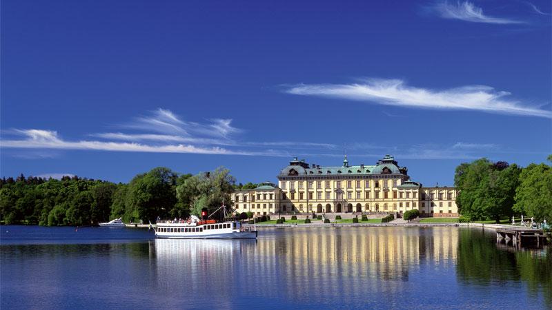 Mit dem Schiff nach Drottningholm