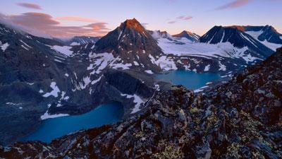 Nordschweden: Berge mit Schnee in Schwedisch Lappland im Norden von Schweden