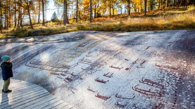 Felszeichnungen aus der Bronzezeit im Vitlycke Museum bei Tanumshede in der Gemeinde Tanum an der Küste von Bohuslän in Westschweden