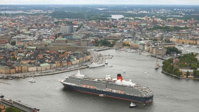 Kreuzfahrt nach Schweden: Kreuzfahrtschiff in Stockholm